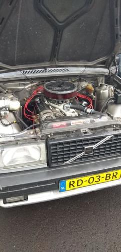 4, 740 V8
